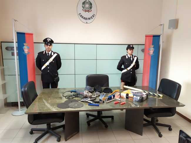 biella carabinieri furto
