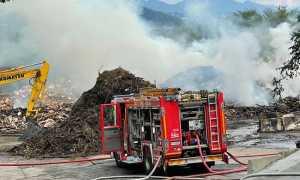 vigili del fuoco incendio rifiuti biella